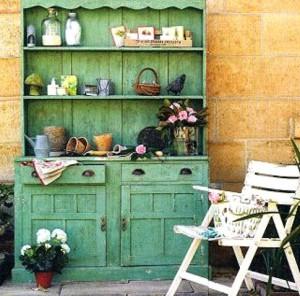 DIY-Potting-cabinet